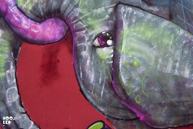 cernestos-elephant-murals-in-london-L-c5GoUo